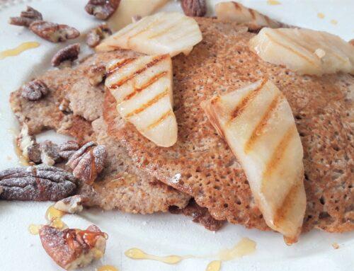 Pecan pannenkoekjes met gegrilde peer