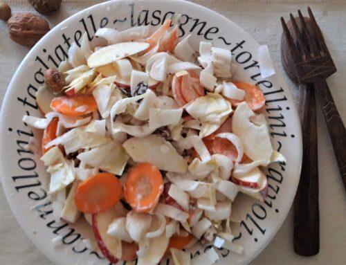Witlofsalade met wortel en appel